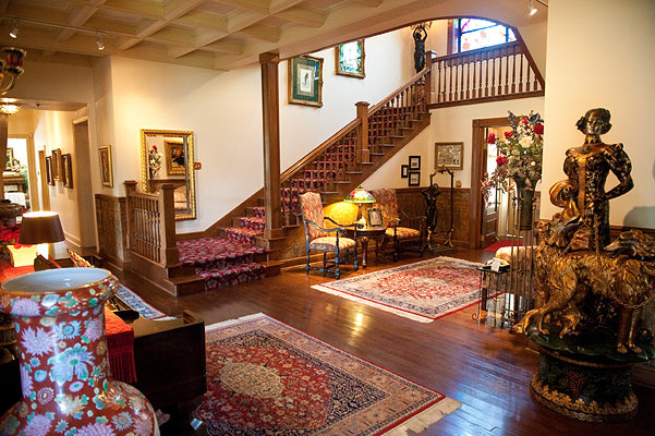 Old Mansion Foyer : Award winning inns from winner hospitality buhl mansion